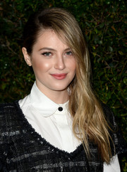 Zoe Levin fixed her locks into a straight side sweep for the Chanel and Charles Finch pre-Oscar dinner.