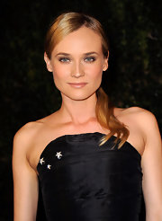 Diane Kruger wore shimmering neutral shades of shadow to create her eye-enhancing look at the Chanel and Charles Finch pre-Oscar Dinner.