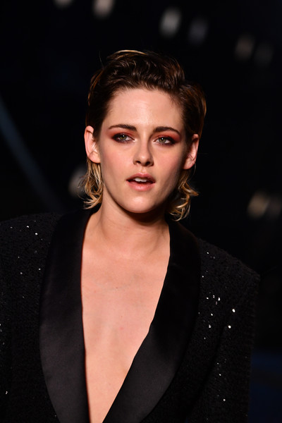 More Pics of Kristen Stewart Diamond Bracelet (5 of 11) - Kristen Stewart Lookbook - StyleBistro [hair,face,fashion,fashion model,eyebrow,hairstyle,beauty,lip,chin,fashion show,collection,kristen stewart,paris,france,le grand palais,chanel cruise 2018]
