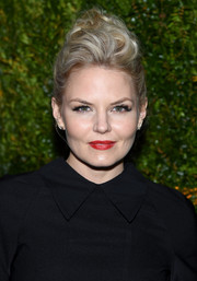 Jennifer Morrison's red lipstick looked striking against her alabaster skin.