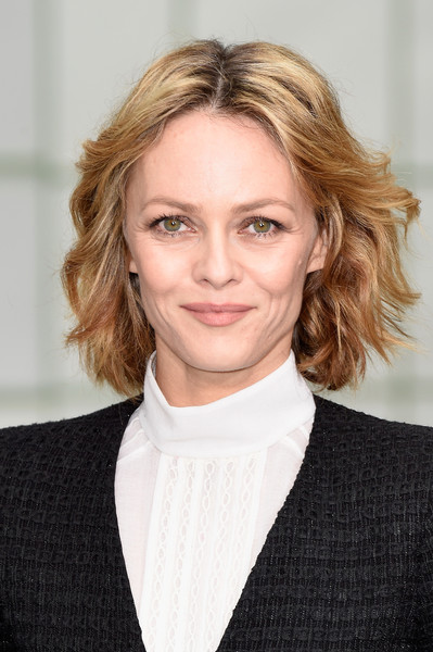 Vanessa Paradis was a natural beauty at the Chanel Couture show with her tousled waves and makeup-free face.