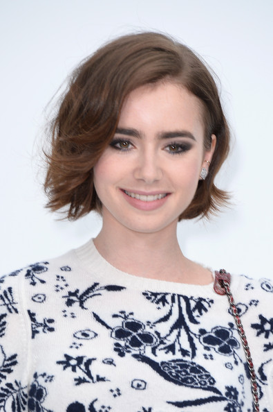 Lily Collins' Cute Sidepart