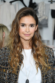 Miroslava Duma attended the Chanel Couture show wearing her hair in loose curls.