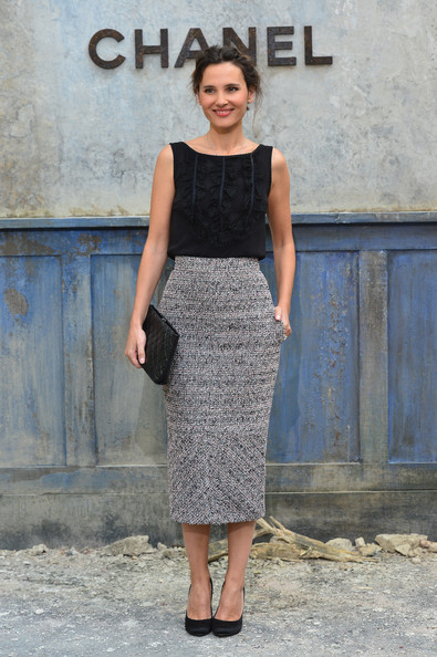 Virginie's gray tweed skirt gave her a totally chic and sophisticated look at the Chanel runway show.