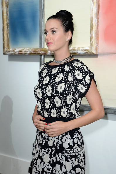 More Pics of Katy Perry Hair Knot (4 of 15) - Updos Lookbook - StyleBistro