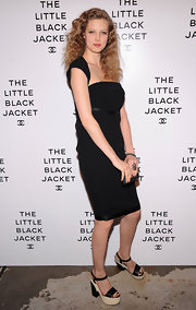Lindsey Wixson wore this sweet LBD with capped shoulder for the Chanel event.