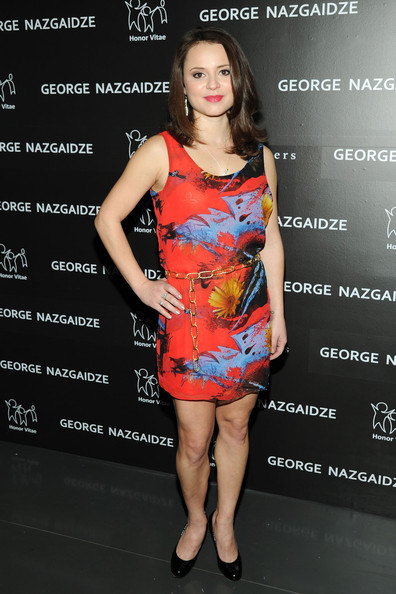 More Pics of Sasha Cohen Print Dress (1 of 3) - Sasha Cohen Lookbook - StyleBistro