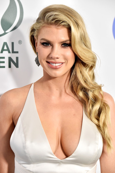 Charlotte McKinney Side Sweep