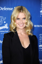 Alice Eve wore her blond tresses in big spiral curls at The Children's Defense Fund's 21st Annual Beat the Odds Awards.