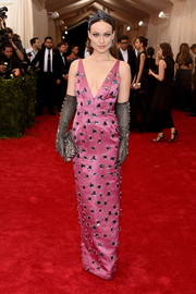 Olivia Wilde's jewel-encrusted pink Prada gown at the Met Gala displayed a majesty reminiscent of Old Hollywood.
