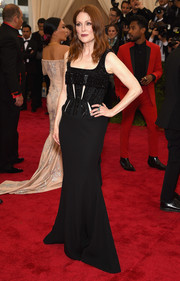 Julianne Moore opted for an embellished black Givenchy Couture corset gown for her Met Gala red carpet look.