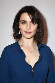 Rachel Weisz wore her hair in a casual bob at the Chloe fashion show.