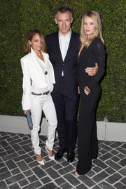 Nicole Richie completed her ultra-stylish all-white ensemble with skinny jeans and pointy pumps.