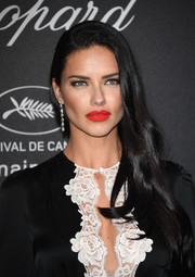 Adriana Lima showed off a perfectly sexy red lip!