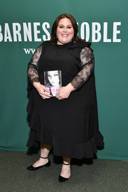 Chrissy Metz complemented her dress with pointy black flats.