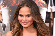 Chrissy Teigen Long Wavy Cut
