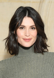 Gemma Arterton framed her face with a short wavy 'do for the Christian Dior Fall 2019 show.