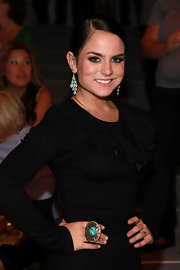 Jojo perfectly paired her cocktail ring with matching turqouise earrings.