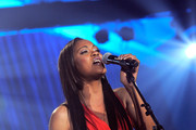 Shontelle performs during the Christopher & Dana Reeve Foundation's A Magical Evening 20th Anniversary Gala at The New York Marriott Marquis on November 17, 2010 in New York City.
