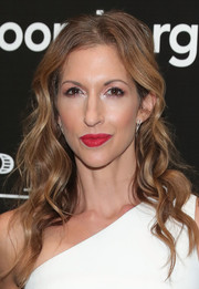 Alysia Reiner wore her hair in glamorous waves during the screening of 'Equity.'