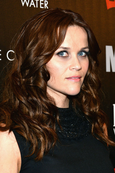 More Pics of Reese Witherspoon Long Wavy Cut (1 of 23) - Long Wavy Cut Lookbook - StyleBistro