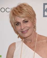 Joanna Cassidy was stylishly coiffed with this layered razor cut at the season 3 premiere of 'Odd Mom Out.'