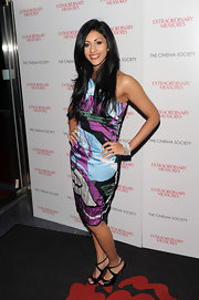 Reshma Shetty attended the screening  of 'Extraordinary Measures' wearing a colorful one-shoulder dress.