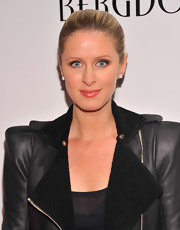 Nicky Hilton chose a smoky eye with a lighter shadow applied in the corners and a darker color on the lid for a softer look.
