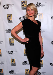 Cameron Diaz knows how to make an LBD look unbelievably sexy.