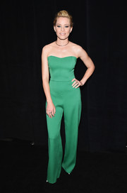 Elizabeth Banks attended the CinemaCon gala opening looking very polished in a strapless green jumpsuit.
