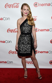 Britt Robertson was an elegant head-turner at CinemaCon Big Screen Achievement Awards in a silver and black one-shoulder dress by J. Mendel.