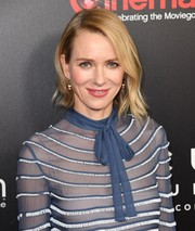 Naomi Watts was stylishly coiffed with asymmetrical waves during CinemaCon 2017.