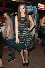 Hailee Steinfeld looked totally stylish in this striped frock, which she donned at the City Year Los Angeles' Spring Break event.