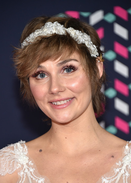Clare Bowen Emo Bangs [hair,face,headpiece,hairstyle,hair accessory,clothing,eyebrow,chin,forehead,fashion accessory,arrivals,clare bowen,cmt music awards,bridgestone arena,nashville,tennessee]