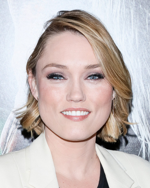 Clare Grant Short Wavy Cut [hair,face,eyebrow,hairstyle,blond,lip,chin,skin,beauty,head,arrivals,clare grant,screening,krampus,california,hollywood,arclight cinemas,universal pictures,industry screening]