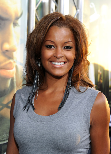 Claudia Jordan Medium Layered Cut