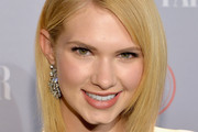 Claudia Lee Mid-Length Bob