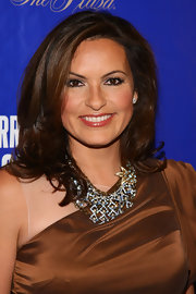 Mariska Hargitay wore her hair in soft wavy layers at the opening night of 'On A Clear Day You Can See Forever.'