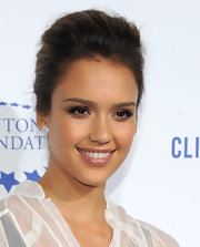 Jessica Alba wore a pair of GemGirls sterling silver earrings with synthetic white diamonds at A Decade of Difference gala.