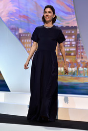 Sofia Coppola went for simple elegance in a short-sleeve navy gown by Valentino during the Cannes closing ceremony.