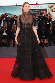 A black stone-embellished clutch provided the perfect finishing touch to Diane Kruger's fabulous gown.