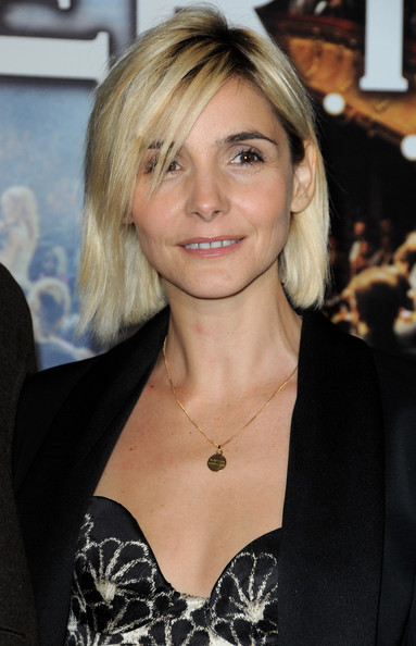 Clotilde Courau Side Parted Straight Cut [le concert,paris premiere,hair,blond,face,hairstyle,eyebrow,beauty,layered hair,lip,long hair,premiere,clotilde courau,radu mihaileanus film,premiere,paris,france,theatre du chatelet]