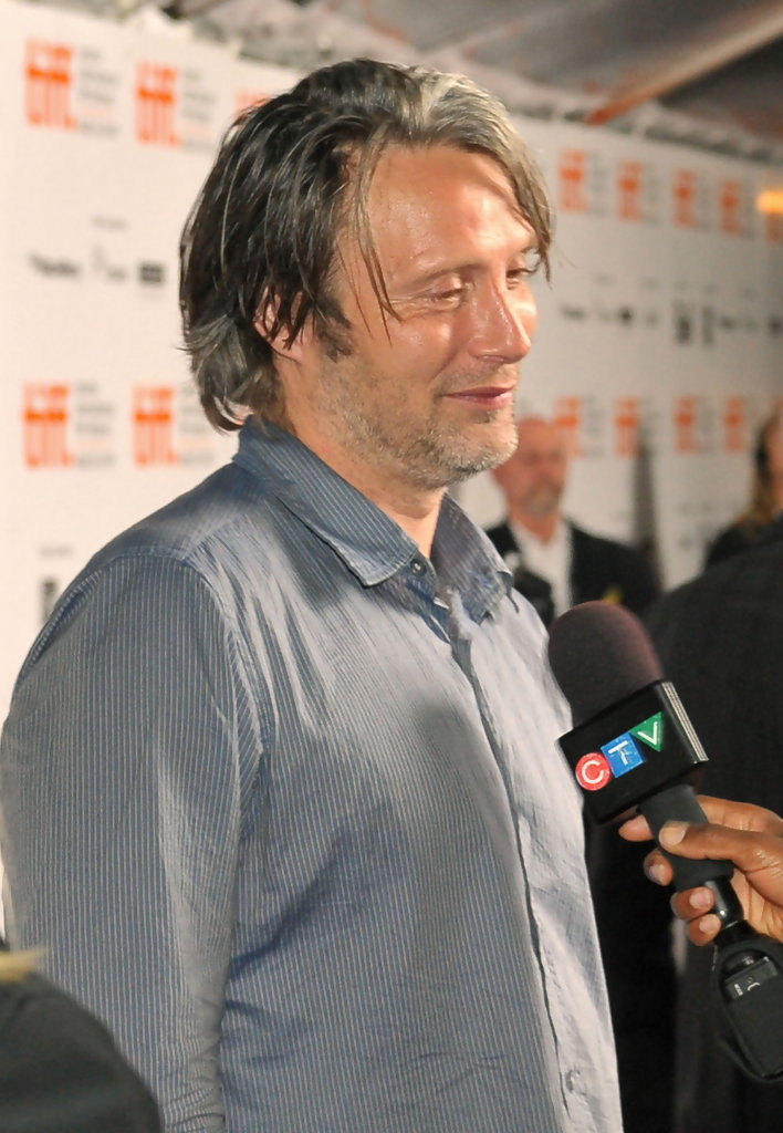 More Pics of Mads Mikkelsen Button Down Shirt (6 of 22