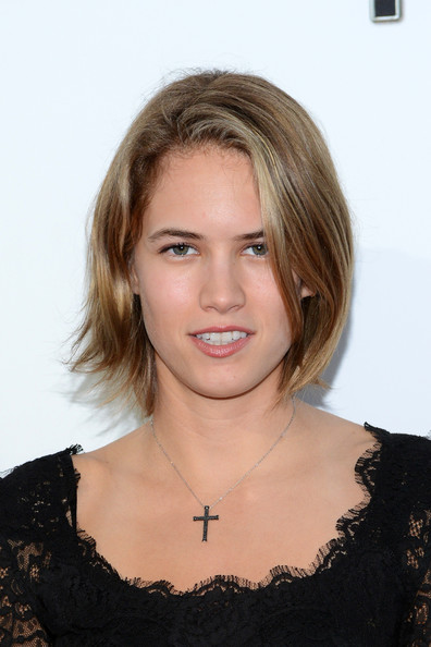 Cody Horn Bob [the book of mormon,hair,face,hairstyle,blond,eyebrow,layered hair,chin,beauty,shoulder,long hair,cody horn,pantages theatre,california,hollywood,red carpet,los angeles opening night]