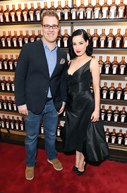 Dita Von Teese finished off her retro LBD with lacy black pumps.