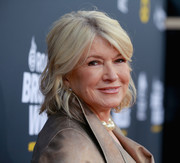 Martha Stewart wore her hair in short waves at the Comedy Central Roast of Bruce Willis.