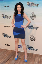 Whitney showed off her figure in a zig-zag printed blue dress.