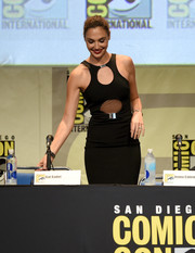 Gal Gadot looked ravishing in her David Koma cutout LBD while attending the Entertainment Weekly: Women Who Kick Ass panel at Comic-Con.