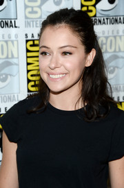 Tatiana Maslany opted for a casual half-up hairstyle when she attended Comic-Con International 2016.