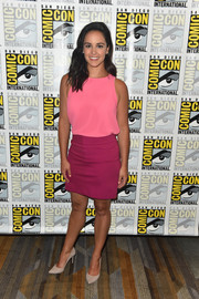 Melissa Fumero kept it simple in a sleeveless pink top at the Comic-Con International 2018 'Brooklyn Nine-Nine' press line.